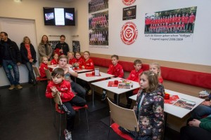 2016-12-10 F-Jugend beim Foerderverein